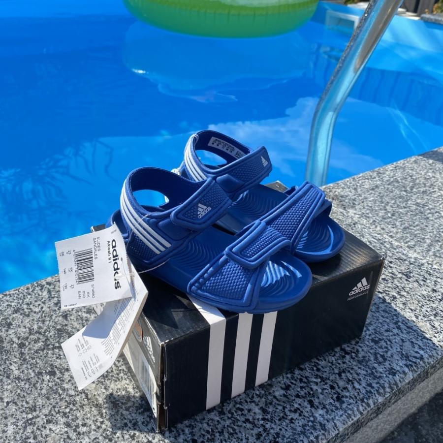 Купить онлайн Детские сандалии adidas AKWAH 9 Аквашузы